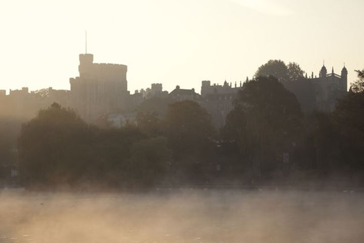 England, Berkshire, Windsor, Windsor Castle  and River Thames at Dawn