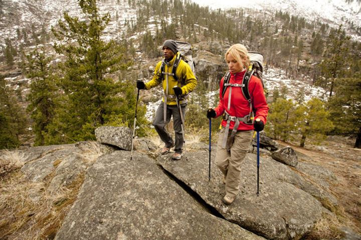 Will Sorrell and Alison Telfer hiking in the Central Cascades, Mt. Baker-Snoqualmie National Forest, Washinton.