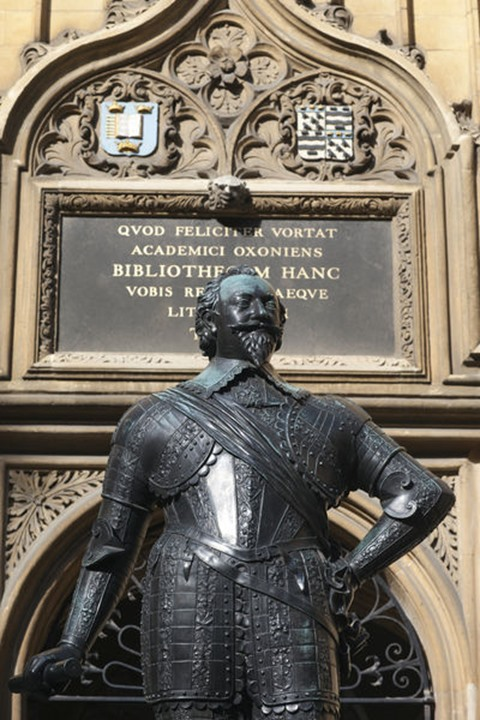 England, Oxfordshire, Oxford, Bodleian Library, Statue of William Herbert, 3rd Earl of Pembroke