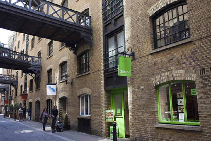 England, London, Southwark, Shad Thames Shops and Apartments
