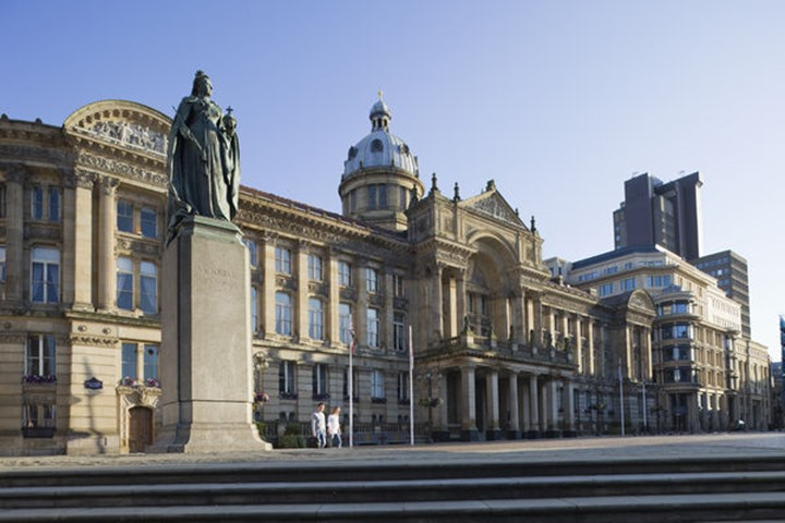 England, Birmingham, Victoria Square, Statue of Queen Victoria and Council House Building