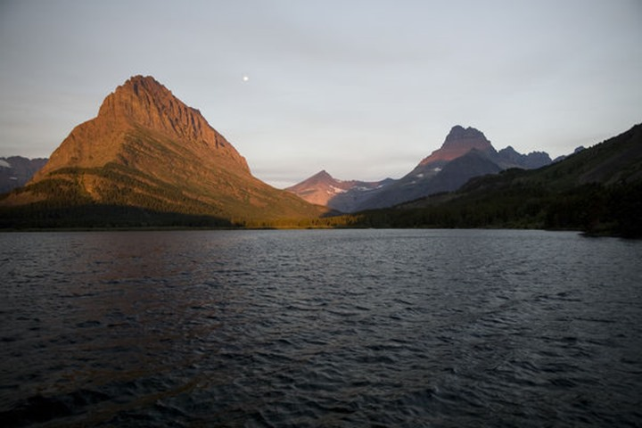 Sunrise on Lake McDonald in Glacier Naitonal Park in the Rocky Mountains.