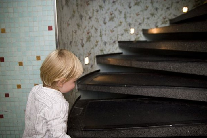 Child in stairs, oslo, norway