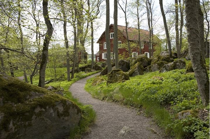 A path leadning to an old house, LinnŽs Hammarby, Uppland, Sweden