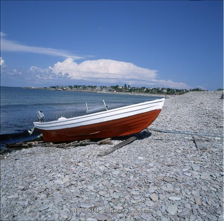A boat on pebble