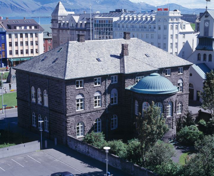 Overview of the house of Parliament, Althingi, Reykjavik