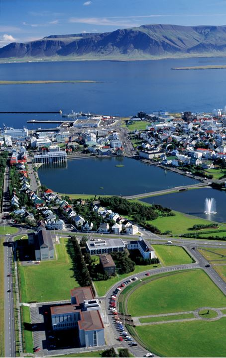 View from above of the University area in Reykjavik, as well as the pond and surroundings