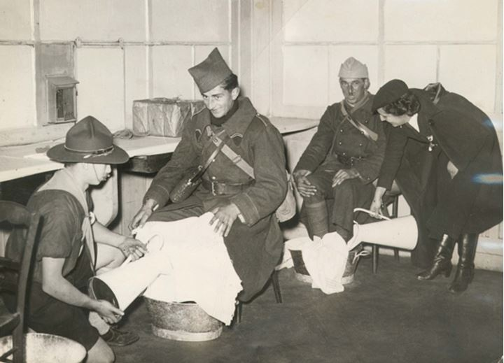 Soldiers soaking thier feet
