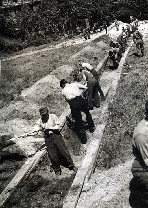 Soldiers digging a trench