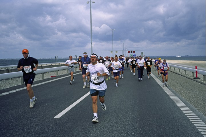 People running in a competition