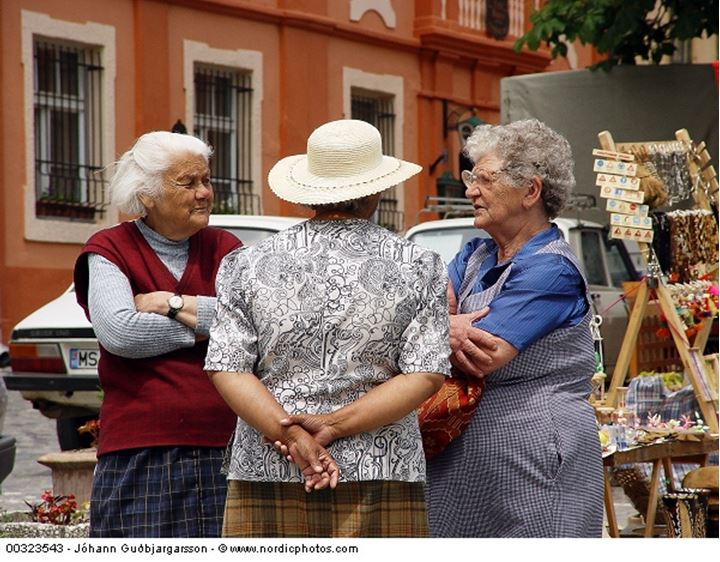 A dialogue between three elderly women