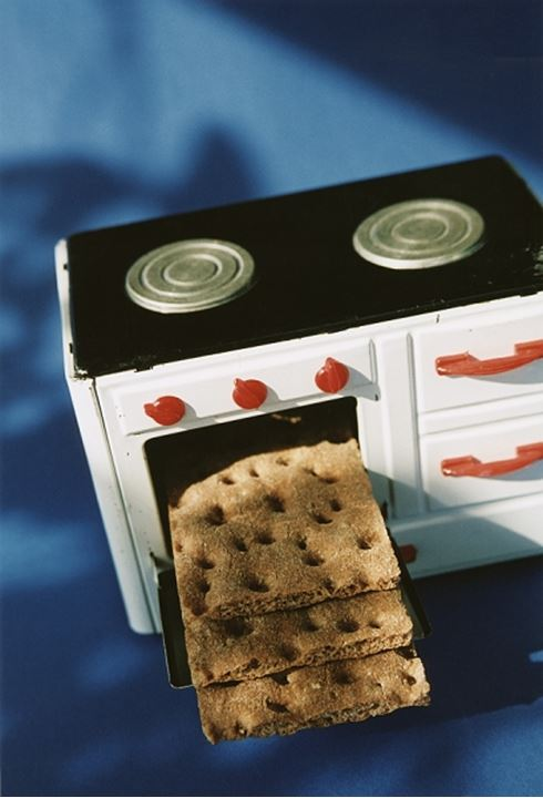 Crisp bread in a toy stove