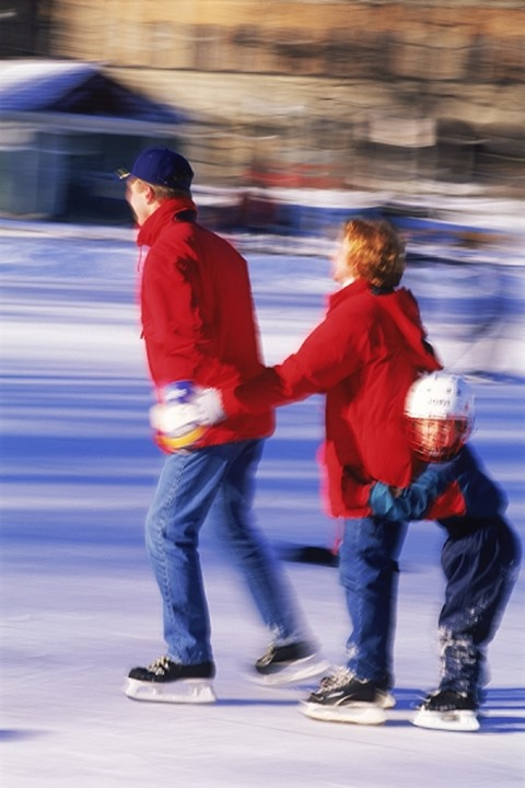 Family iceskating