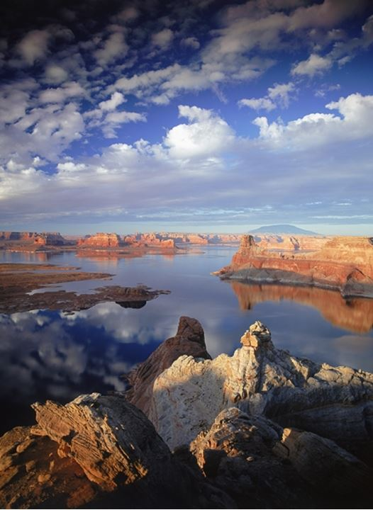 Sunset over Lake Powell in Glen Canyon National Recreation Area from Utah