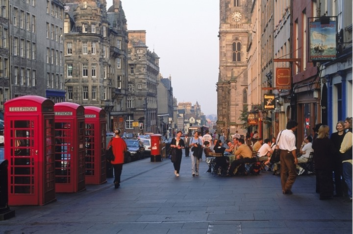 Telephone booths and pubs along The Royal Mile in Edinburgh