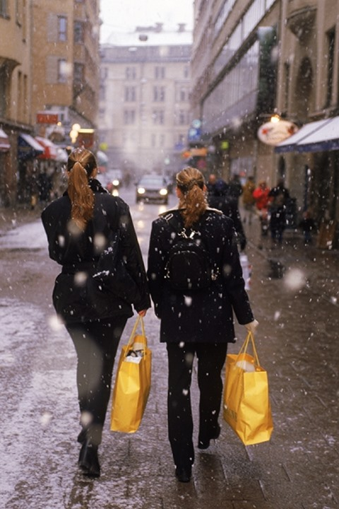 Two women Christmas shopping in Stockholm