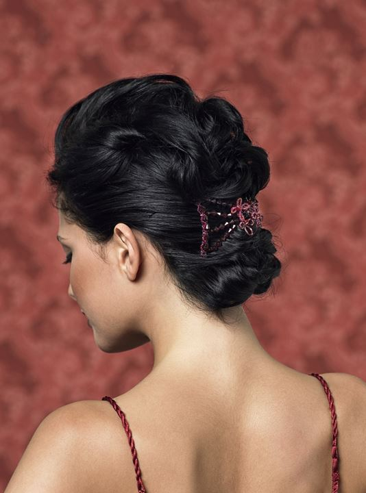 A coiffure of a brunette