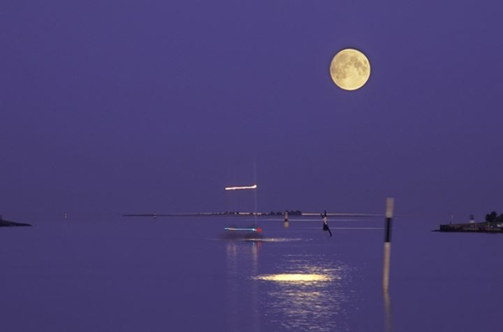 SAILING ON A FULL MOON NIGHT