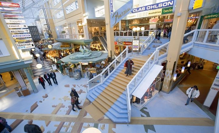 SWEDEN SOLNA SOLNA CENTRUM SHOPPING MALL
