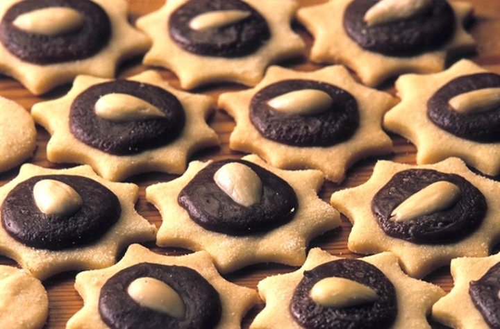 TRADITIONAL CZECH CHRISTMAS PASTRY
