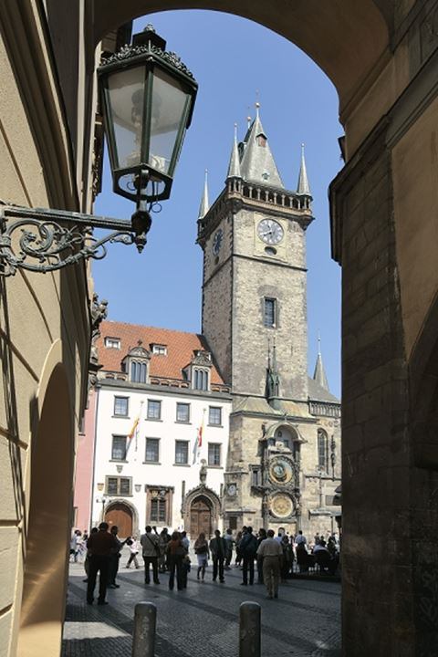 CZECH REPUBLIC PRAGUE OLD TOWN SQUARE OLD TOWN HALL ASTRONOMICAL CLOCK