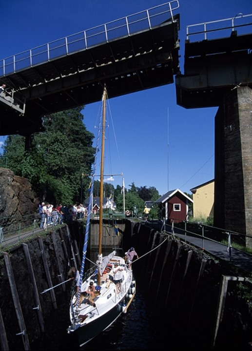 Bridge opening in Dalslands canal, Dalsland