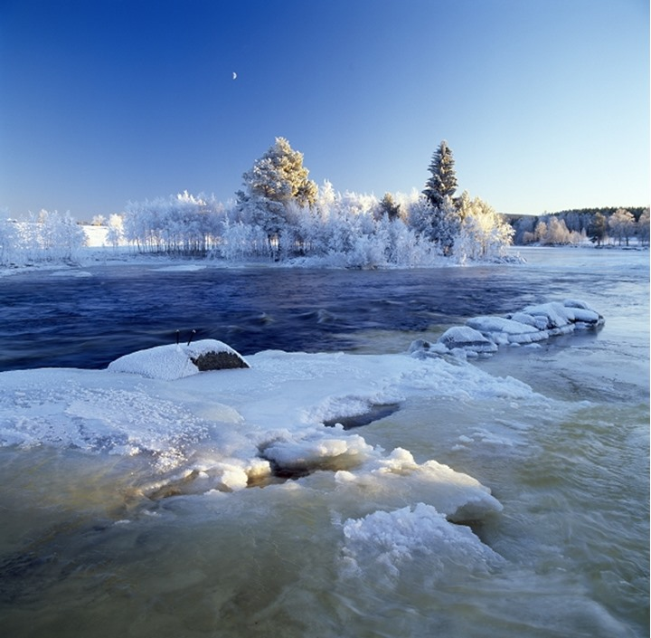 A river in wintertime