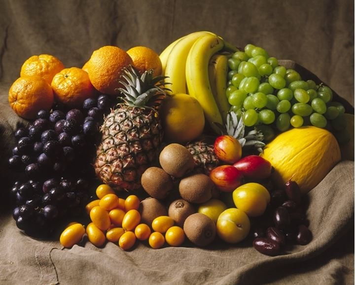Close-up of assorted fruits