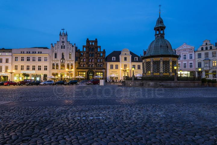 Market Square, Wismar Hanse League, Mecklenburg-West Pomerania Germany, Europe