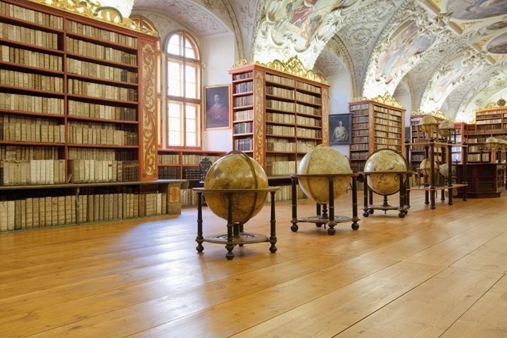 CZECH REPUBLIC PRAGUE, STRAHOV MONASTERY LIBRARY - THE THEOLOGICAL  HALL.