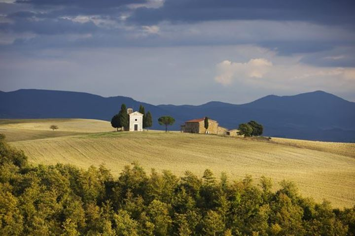 Val d'Orcia: Chapel of Our Lady of Vitaleta, Italien, Toscana, Italien. Val d'Orcia:Cappella della Madonna di Vitaleta, Italien, Toscana , Italien