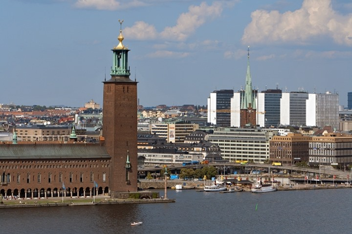 SWEDEN STOCKHOLM THE TOWN HALL AND STOCKHOLM CITY LAKE MALAREN